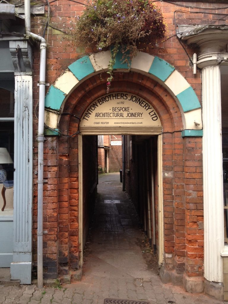 18 TinTon Alley