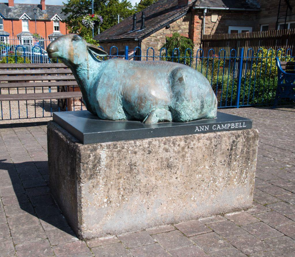 2 Sheep sculpture